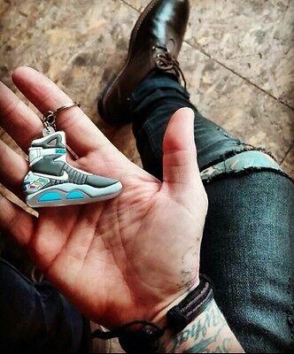 !!!TOP ANGEBOT!!! Neu 2 x Nike Schlüsselanhänger - Zurück In die Zukunft ()