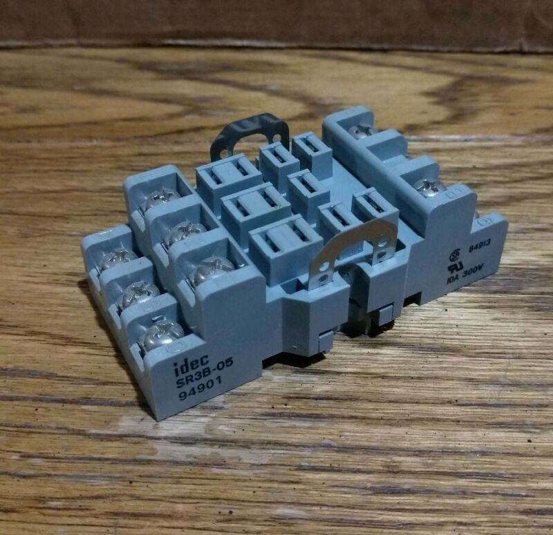 USED IDEC SR3B-05 RELAY SOCKET BASE