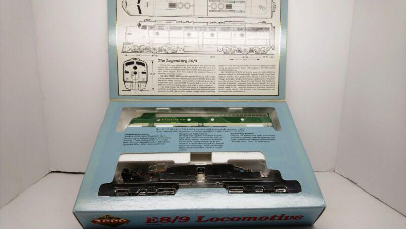 Life Like Proto 2000 HO Train NIB Southern E8/9 Powered Diesel Locomotive #2923
