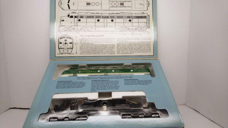 Life Like Proto 2000 HO Train NIB Southern E8/9 Powered Diesel Locomotive #2924