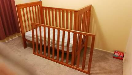 Toddler bed /cot