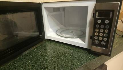 Microwave Oven Breville