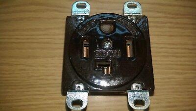 Hubbell 9432 125250v 30a Outlet Socket Ceramic P-2158