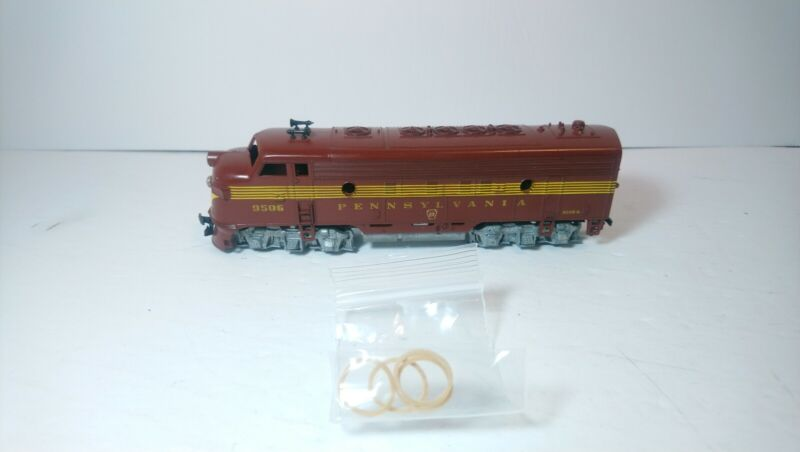 Athearn HO Train Pennsylvania Railroad Powered Band Drive Diesel Locomotive