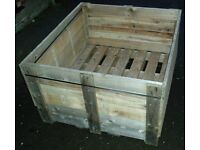 WOODEN PALLET CRATE IDEAL RAISED PLANTER, LOG STORE, HORSE FEEDER, BULK STORAGE PALLET & DIY USE