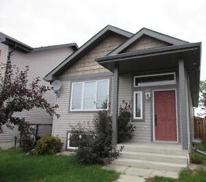 *$500 OFF RENT* Pet Friendly DEVON home with finished basement!