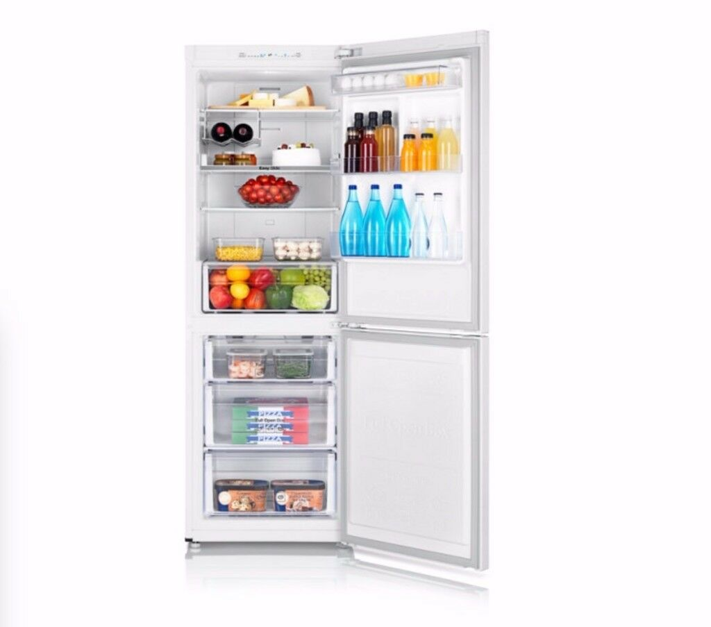 Samsung fridge freezer, RB29FSJND WW, Excellent condition, lightly used for 14 months