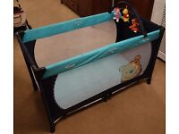 Hauck Winnie the Pooh Dream and Play Travel Cot