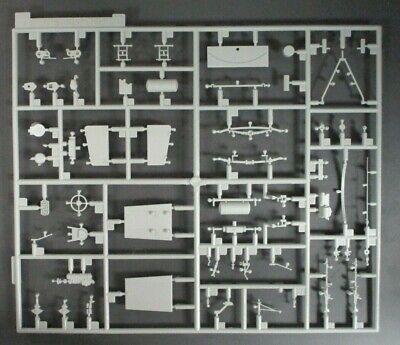 DRAGON 1/35 Scale Sd.Kfz.251/17 w/2cm Flak Parts Tree C from Kit No. 6292