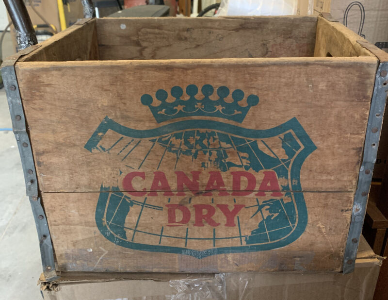 Vintage Canada Dry Ginger Ale Soda Wood Crate/Box Canada Dry Wood Crate