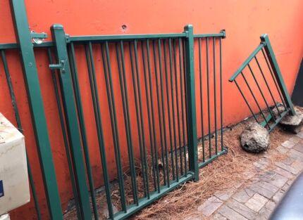 Garden/Pool Loop Fencing Panel and Gate