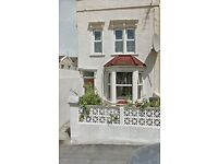 £750 PCM EXCL. BILLS - 2 BEDROOMS AVAILABLE WITHIN A HOUSE NEAR M32, Bus stops and shops