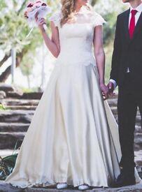 Designer wedding dress (Stephanie Allin), size 10, champagne