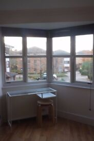 long term let - tranquil 1 bedroom flat to rent with off road parking in Hither Green / Lewisham