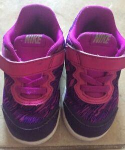 Toddlers Nike joggers size US 6c UK 5.5.