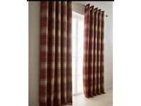 Curtains with 4 matching pillows