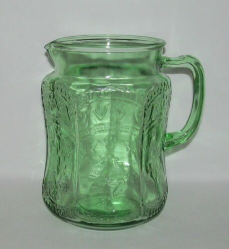 """Federal Glass Co. PATRICIAN """"Spoke"""" Green Large Flat Water Pitcher"""