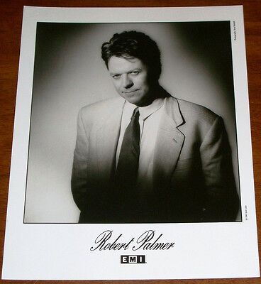 Robert Palmer 8x10 B&W Press Photo EMI Records 1990