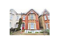 Georgeous 3 Bedroom Property To Rent £2,050 PCM in East Dulwich