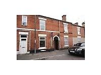 Beautiful 3 Bedroom Shared House, 1 ROOM LEFT AVAILABLE. Suitable for students & professionals