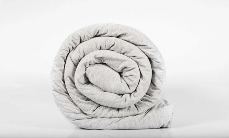 New Hush Blanket Iced Cooling Soft 48x78 12 lb Personal Weighted Blanket