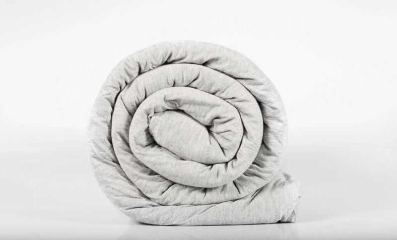 New Hush Blanket Iced Cooling Soft 80x87 25 lb Queen Weighted Blanket