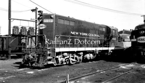 NEW YORK CENTRAL NYC EMD GP7 #5912 Boston, Ma. 10/62 ORIG LG FMT B&W NEG RS0064