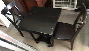 Small Dining Table w/ Chairs