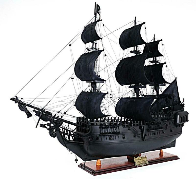 Old Modern Handicrafts® - Black Pearl Pirate Ship