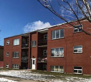 All Inclusive - 2 BDRM apartment near McLennan Park