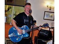 Guitarist available; R&R / Rockabilly / Neo-Rockabilly etc..