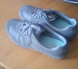Brand New Skechers (UK 7, Relaxed Fit, Memory Foam Soles) (Light Grey)