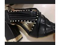 Ladies heel sandals size Uk 7