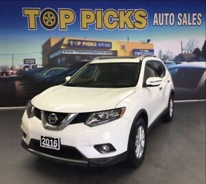 2016 Nissan Rogue SV, AWD, PANORMAIC SUNROOF, BACK UP CAM!