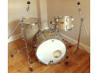 Vintage Pearl Gold sparkle Drum kit with cases/hardware - 1970's.