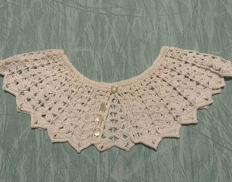 Vintage Crocheted  Lace Collar Ivory 20""