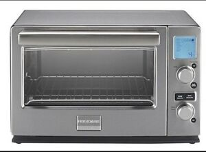 ***New***Frigidaire Professional 6-Slice Convection Toaster Oven