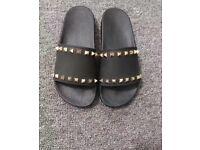 Valentino ladies sliders / flip flops