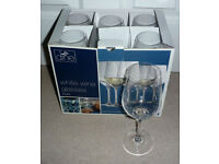 6 x White Wine Glasses, boxed and never used. Lead free, dishwasher safe, 403ml