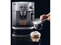 De'Longhi Magnifica Bean to Cup Espresso and Cappuccino Machine - perfect condition - stylish silver