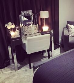 Mirrored glass dressing table and mirror