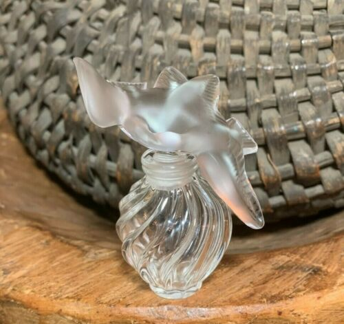 Lalique Crystal France Nina Ricci Perfume Bottle w/ Doves Stopper - Excellent