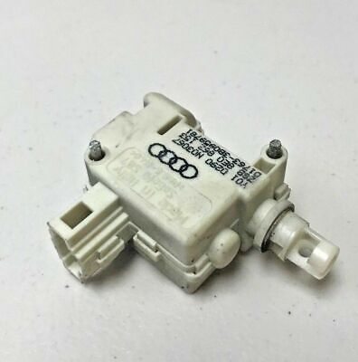 2002-2005 AUDI A4 S4 B6 FUEL GAS DOOR LOCK ACTUATOR MOTOR OEM 8E062153