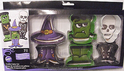 Halloween Cookie Cutters 7 pcs Wilton Metal Witch Frankenstein Skeleton NISB](Halloween Frankenstein Cookies)