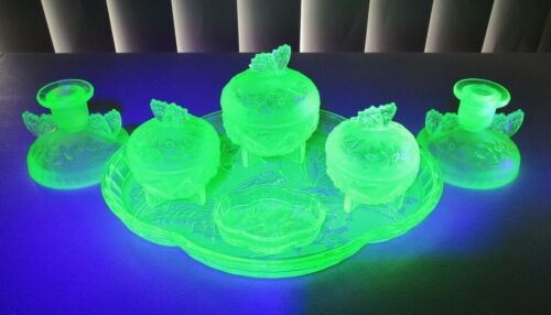 VINTAGE ARTDECO SOWERBY FROSTED BUTTERFLY GREEN URANIUM GLASS DRESSING TABLE SET