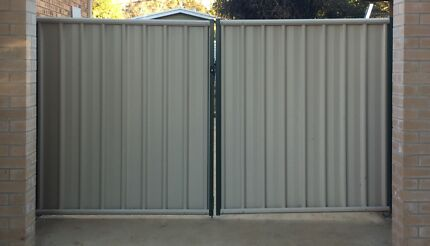 Colorbond gate - near new Kaleen Belconnen Area Preview