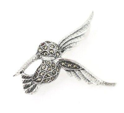 Dekorativer Kolibri aus 925er Silber Markasiten und Granat, Brosche