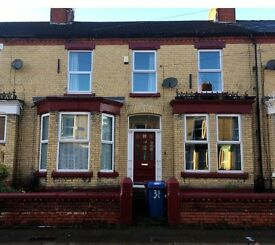 4 Bed House to Rent - Two large reception rooms & kitchen with rear yard - Private Landlord - DSS OK
