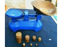 Lovely vintage set of kitchen scales with 7 solid brass weights