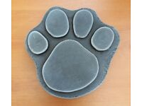 STONE EFFECT CONCRETE PAW PRINT STEPPING STONE